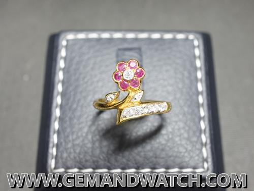 RI3631แหวนดอกไม้ทับทิม เพชร